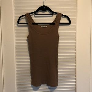 Brown ribbed tank